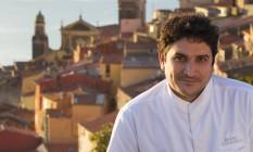 Mauro Colagreco no pátio do seu restaurante, em Menton, na Côte d'Azur Foto: Divulgação