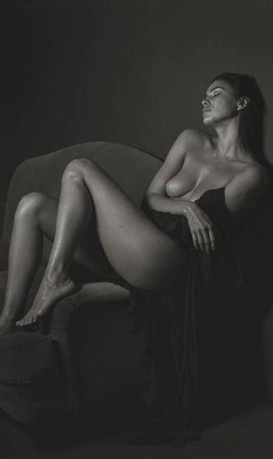 Irina em mais um clique de Mario Sorrenti Reprodução/
