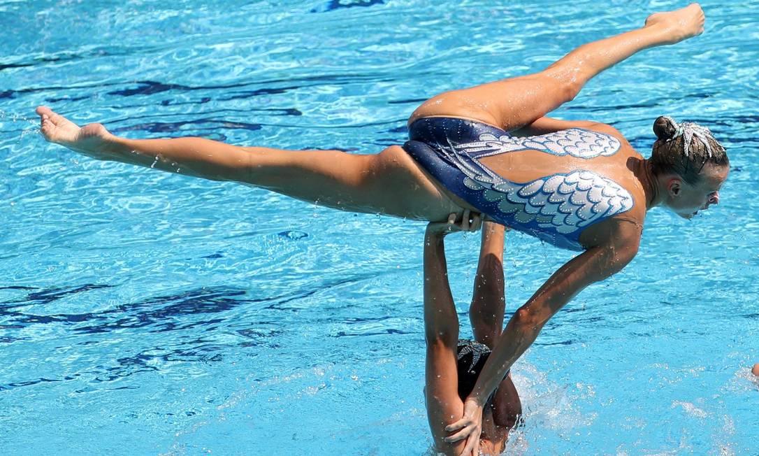 Apresentação da equipe russa no nado sincronizado Marcelo Carnaval / Agência O Globo