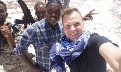 O britânico Andrew faz selfie com soldados em Mogadíscio, Somália: vontade de ver de perto Foto: Arquivo particular