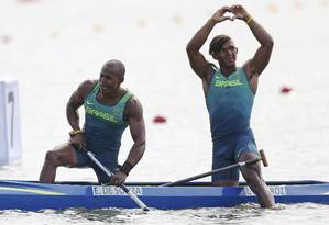 Isaquias e Erlon dominaram a prova quase toda e chegaram em segundo nos 1.000m da canoa dupla Foto: MARCOS BRINDICCI / REUTERS