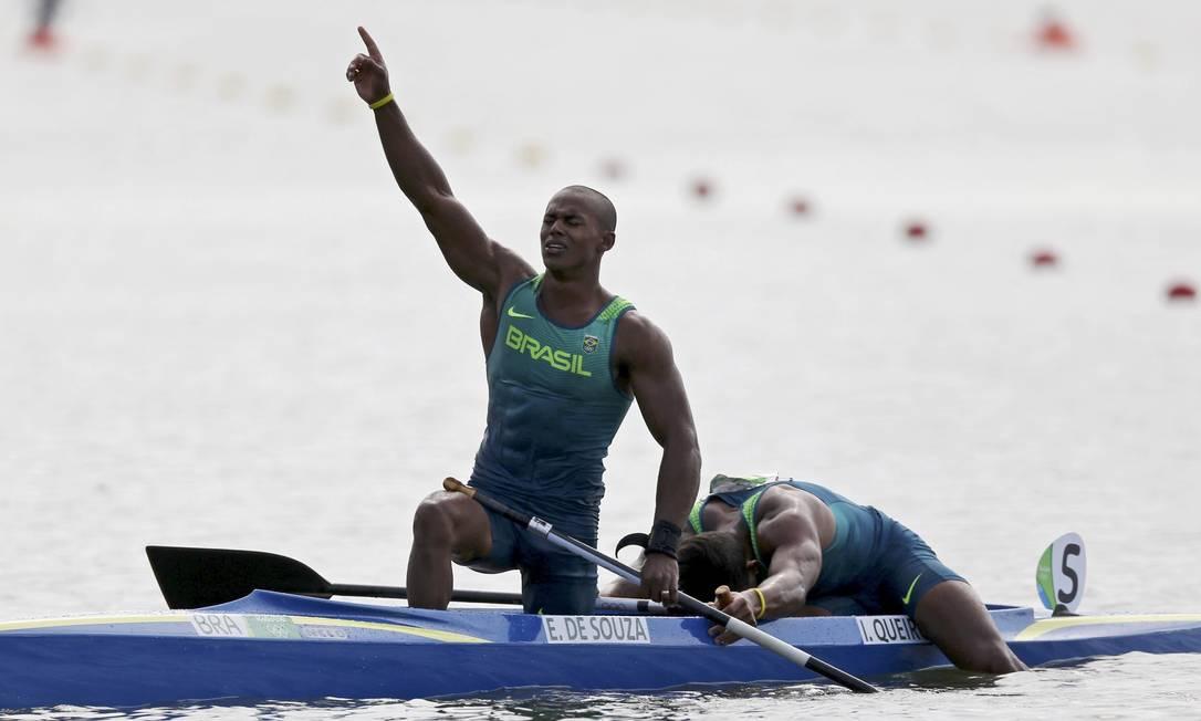Aos 25 anos, Erlon sobe ao pódio em sua segunda Olimpíada: em Londres-2012, ao lado de Ronilson Oliveira, ele havia levado a bandeira brasileira à C2 1.000m MARCOS BRINDICCI / REUTERS
