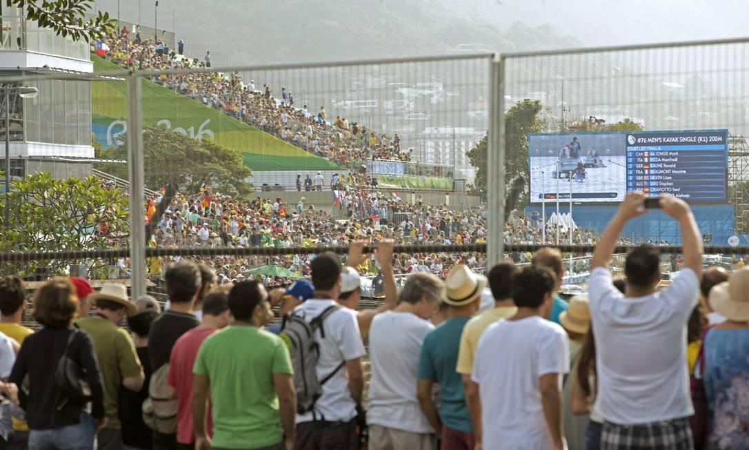 Muitos procuraram ingressos antes da prova, mas não encontraram disponíveis Márcia Foletto / Agência O Globo