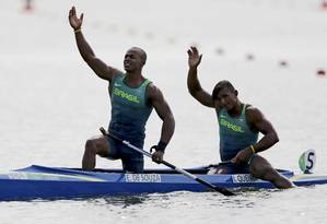 Isaquias Queiroz e Erlon de Souza conquistaram a prata na final dos 1.000m da canoa dupla Foto: MARCOS BRINDICCI / REUTERS