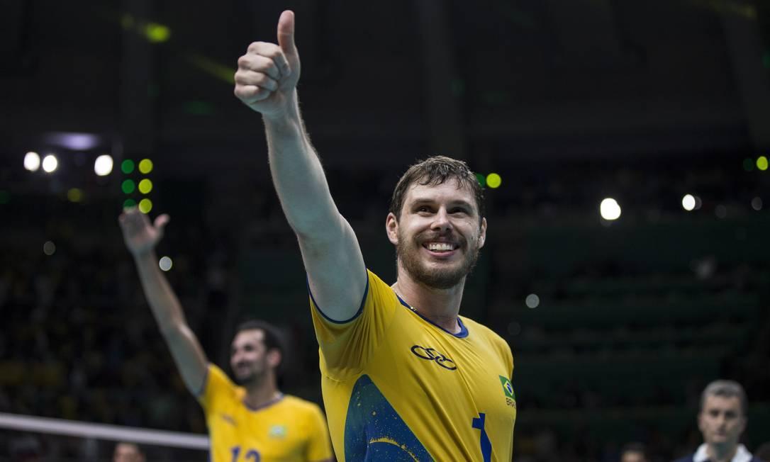 Bruninho comemora a vitória sobre a Rússia Daniel Marenco / Agência O Globo