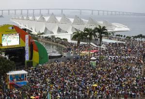 Boulevard Olímpico ficou verde e amarelo para final olímpica do futebo Foto: Bárbara Lopes / Agência O Globo