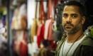 Estímulo. Tiago José tem uma loja no centro de Caxias e acaba de renovar um empréstimo de R$ 15 mil para comprar mercadoria com descontos em São Paulo Foto: Guilherme Leporace / O Globo