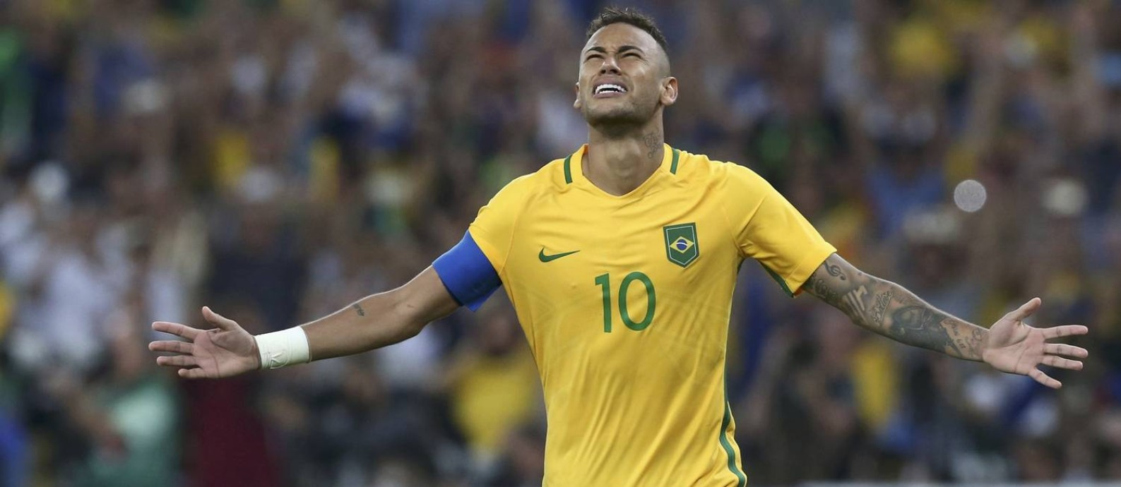 Neymar fecha os olhos e comemora o gol decisivo que marcou nas cobranças de pênalti contra a Alemanha: Brasil campeão olímpico Foto: MARCOS BRINDICCI / REUTERS