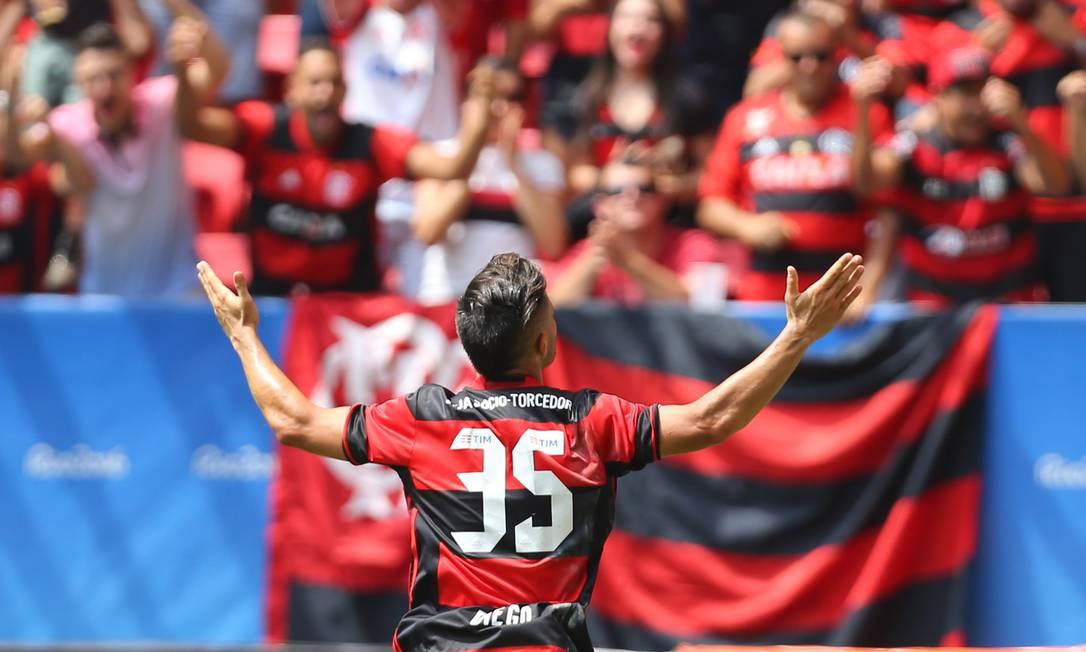 Os torcedores que foram ao Mané Garrincha tiveram uma manhã feliz Ailton de Freitas / Agência O Globo