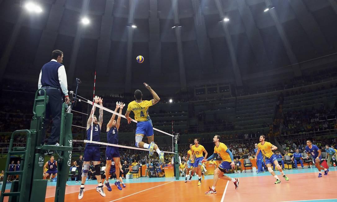 A seleção ficou com o título olímpico jogando em casa DOMINIC EBENBICHLER / REUTERS