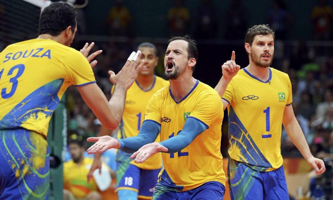 Lipe comemora ponto contra a Itália DOMINIC EBENBICHLER / REUTERS