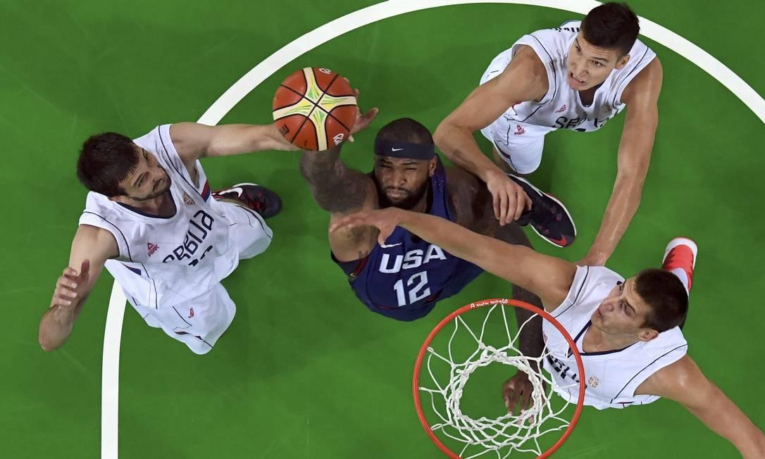 EUA e Sérvia fizeram a final do torneio masculino de basquete nos Jogos Rio-2016 POOL / REUTERS