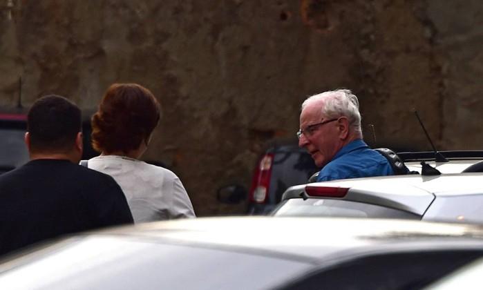 Polícia apreende passaportes de membros do comitê irlandês suspeitos de cambismo