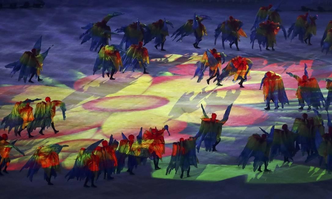 O carnaval também foi lembrado durante a cerimônia YVES HERMAN / REUTERS