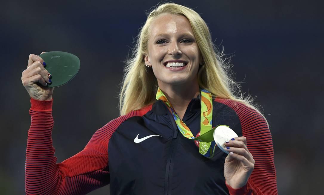 A americana Sandi Morris foi prata no salto com vara. O sorriso valeu ouro Reuters