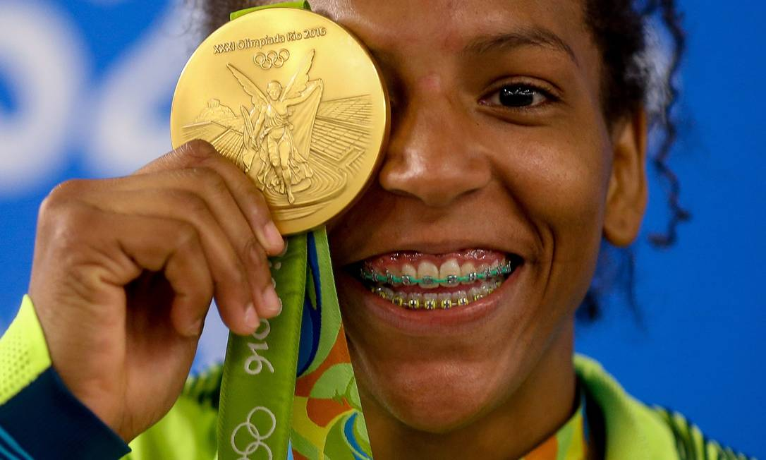Rafaela Silva vence a final e leva a medalha de ouro no Judô Pedro Kirilos / Agência O Globo