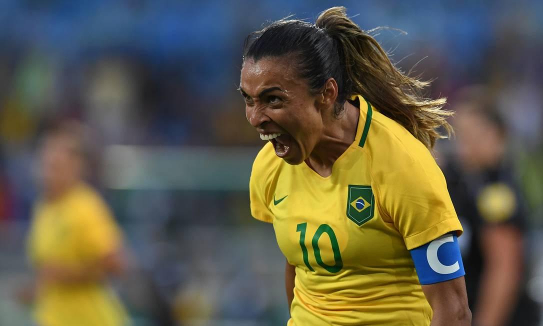 Marta comemora gol contra a China, no Engenhão Marco Antonio Rezende / O Globo / NOPP