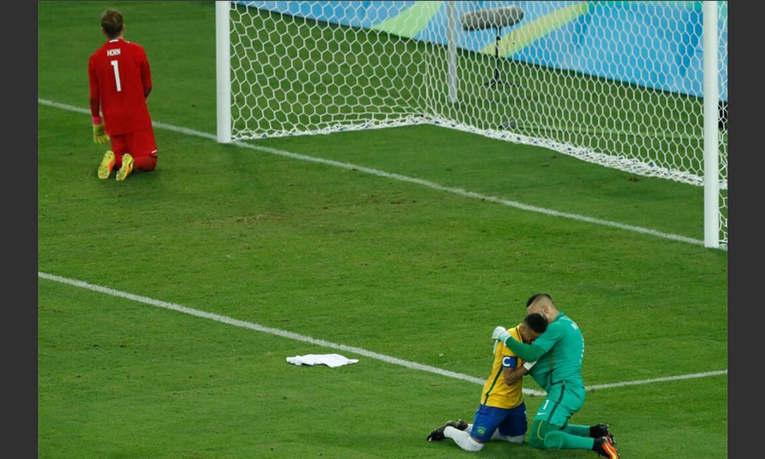 Final entre Brasil x Alemanha: Neymar comemora o último pênalti batido Jorge William / Agência O Globo