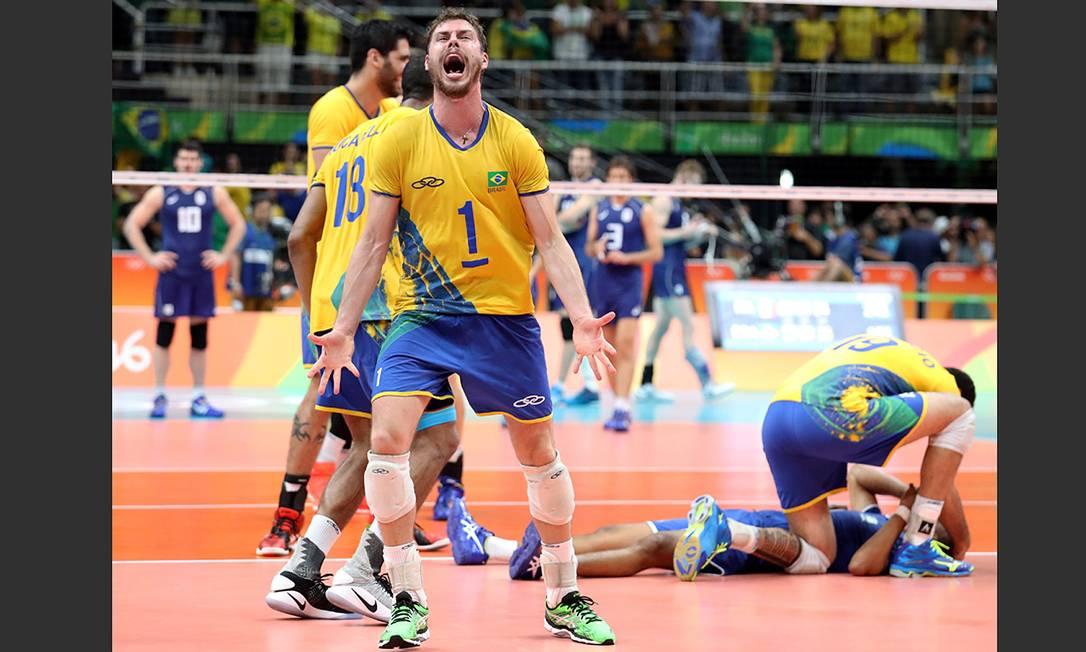 Final do vôlei masculino. Brasil x Itália. Brasil ganha a medalha de ouro Marcelo Carnaval / Agência O Globo