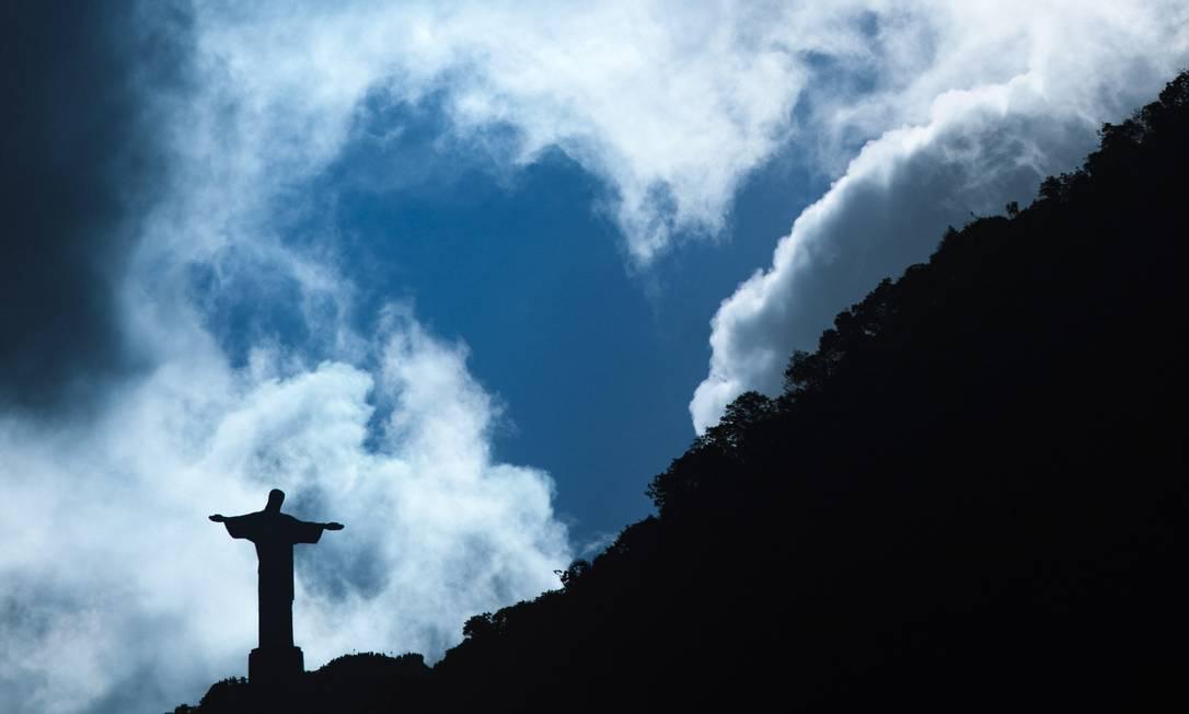 Vista do Cristo Redentor, da Arena de Vôlei na Praia de Copacabana Daniel Marenco / Agência O Globo
