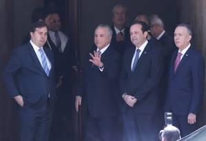 Temer se reúne com o presidente da Câmara e líderes da base aliada Foto: André Coelho / Agência O Globo