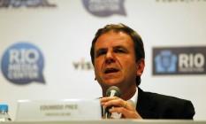 O prefeito Eduardo Paes durante coletiva no Rio Media Center Foto: Luiz Ackermann / Agência O Globo