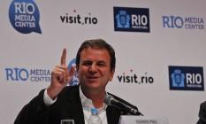 Eduardo Paes durante coletiva sobre o fim da Olimpíada Foto: Luiz Ackermann / Agência O Globo