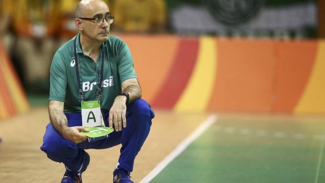 Jordi Ribera  técnico espanhol deixa a seleção brasileira masculina de  handebol para assumir a da 2eee3abce75a4
