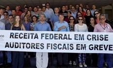 Servidores da Receita Federal fazem protesto em Fortaleza (CE) Foto: Divulgação