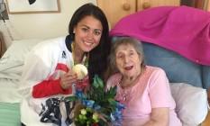 Sam Quek leva medalha de ouro no hóquei feminino para a avó Foto: Reprodução/Twitter