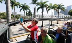 Viagem inaugural do ônibus panorâmico Sightseeing Rio, com turistas estrangeiros Foto: Pablo Jacob / Agência O Globo
