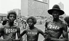 """Foto de Carlos Vergara, """"Poder"""", da série """"Carnaval"""" (1972-1976) Foto: Carlos Vergara"""