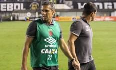 Jorginho, técnico do Vasco, na derrota para o Santos, na Vila Belmiro Foto: Carlos Gregório