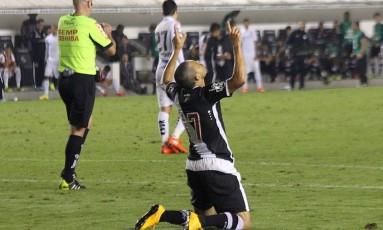 Éder Luís acredita que o Vasco pode reverter a vantagem do Santos no jogo de volta Foto: Carlos Gregório Jr/Vasco.com.br