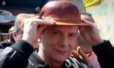 O candidato do PRB à Prefeitura de São Paulo, Celso Russomanno, faz campanha em feira livre na Zona Sul Foto: Marcos Alves/Agência O Globo