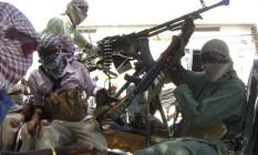 Combatentes do Al-Shabaab reivindicaram ataque contra restaurante em praia de Mogadíscio Foto: Reuters