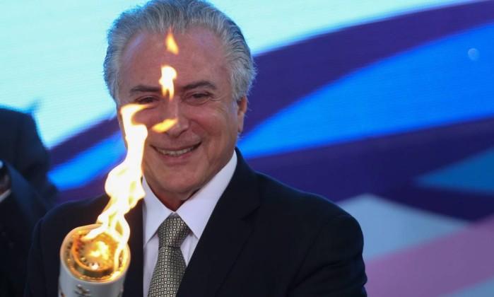 Tocha paralímpica é acessa em Brasília