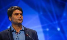 O candidato Pedro Paulo (PMDB) no debate com os canditados a prefeito do Rio Foto: Guilherme Leporace / O Globo