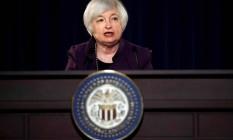 Janet Yellen fala em entrevista coletiva após reunião do Comitê de Política Econômica (Fomc) do Banco Central americano (Fed), em 17 de junho Foto: CARLOS BARRIA / REUTERS