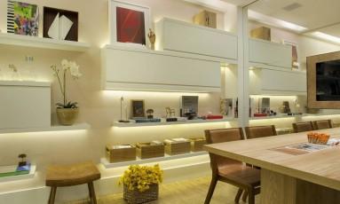 O escritório de Patricia Fiuza tem a mesma cerâmica de sua residência Foto: Divulgação / Divulgação/Denilson Machado