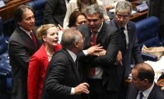 Bate boca e empurrões entre os senadores Renan Calheiros, Gleisi Hoffmann e Lindberg Farias durante sessão no Senado para votação do impeachment de Dilma Rousseff Foto: André Coelho
