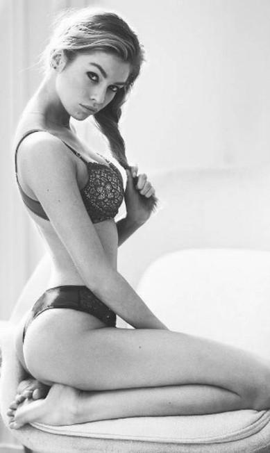 No Instagram do fotógrafo David Bellemere é comum esbarrar como fotos como essa, da top e angel da Victoria's Secret Stella Maxwell, apontada também como ex-affair de Miley Cyrus. Ele é o dono da página mais quente do aplicativo e saiba o porquê nas fotos seguintes Reprodução/ Instagram