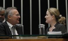 Renan Calheiros (PMDB-AL) e Gleisi Hoffmann (PT-PR) na Mesa Diretora do Senado Foto: Givaldo Barbosa / Agência O Globo/23-8-2016