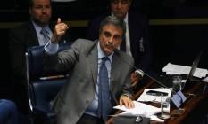 O advogado de defesa de Dilma, José Eduardo Cardozo, no plenário do Senado Foto: Ailton de Freitas / Agência O Globo