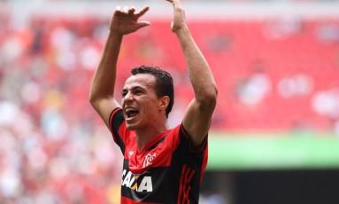 Leandro Damião pode ser testado ao lado de Guerrero hoje Foto: Gilvan de Souza / Flamengo