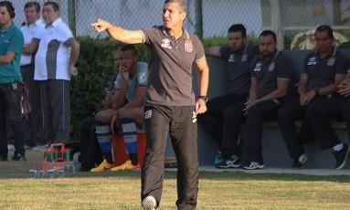 """Jorginho quer evitar que o time """"queime a gordura"""" acumulada no início do campeonato Foto: Carlos Gregório Jr / Vasco"""