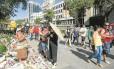 Mesmo sem parte das atrações olímpicas, o boulevard continua movimentado: barraquinhas de artesanato e lojas oficiais dos Jogos seguem funcionando