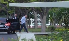 O presidente do Senado, Renan Calheiros (PMDB-AL), entrando no Palácio do Jaburu para encontrar com Michel Temer Foto: Ailton de Freitas / Agência O Globo