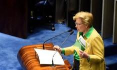 A senadora Ana Amélia (PP-RS) interroga a presidente afastada Dilma Rousseff Foto: Evaristo Sá / AFP