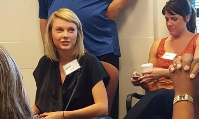 Taylor Swift é dispensada de tribunal do júri em Nashville